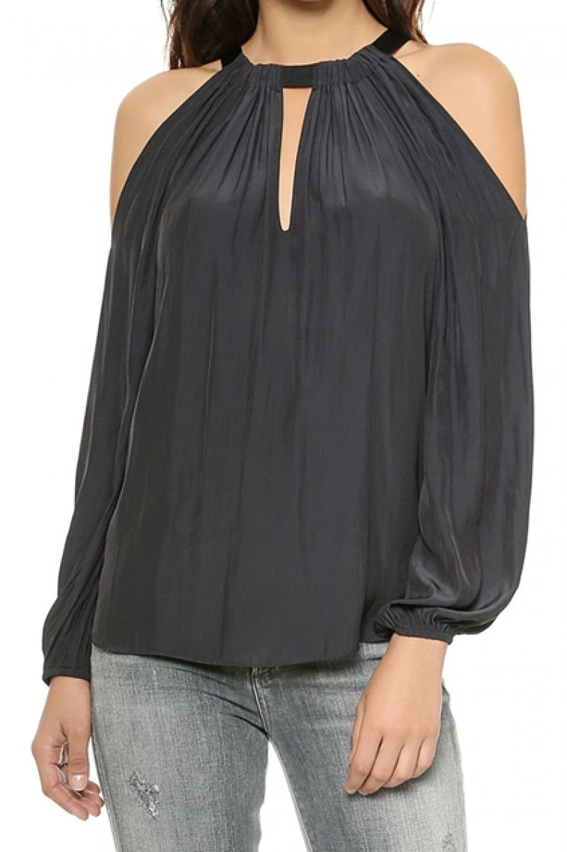 Off Shoulder Loose Pleated Blouse