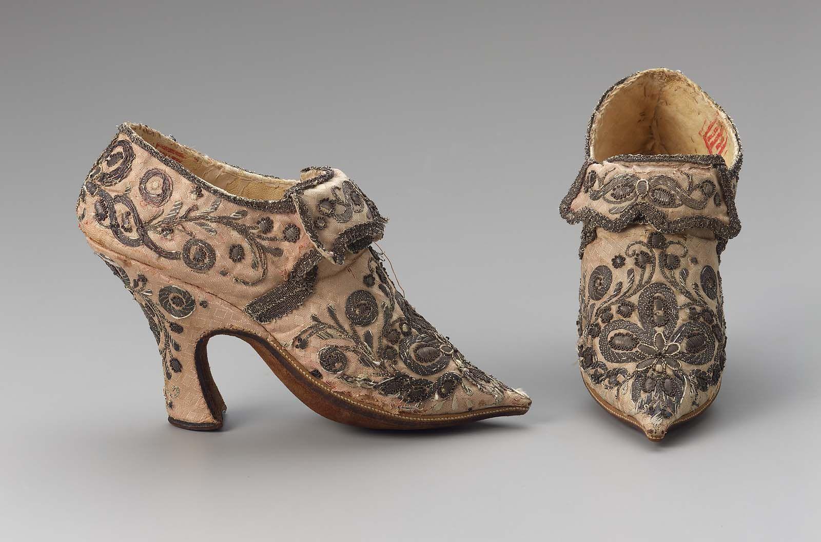 Pair Of Women S Shoes Historical Shoes Women Shoes Vintage Shoes