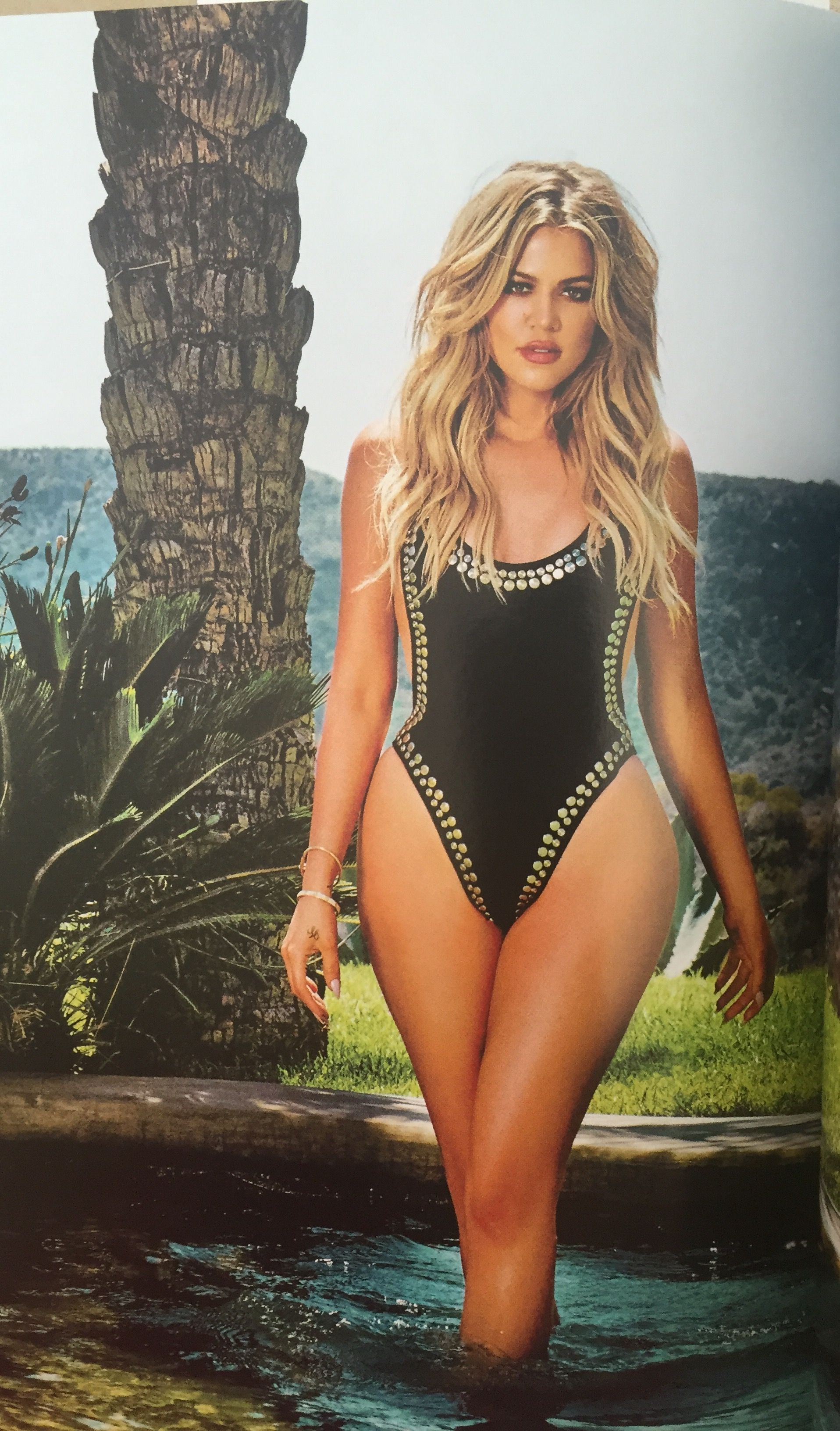 """cccb8c6a606 If you look closely, there is something different about Khloe Kardashian on  the cover of her new health and fitness book, """"Strong Looks Better Naked."""