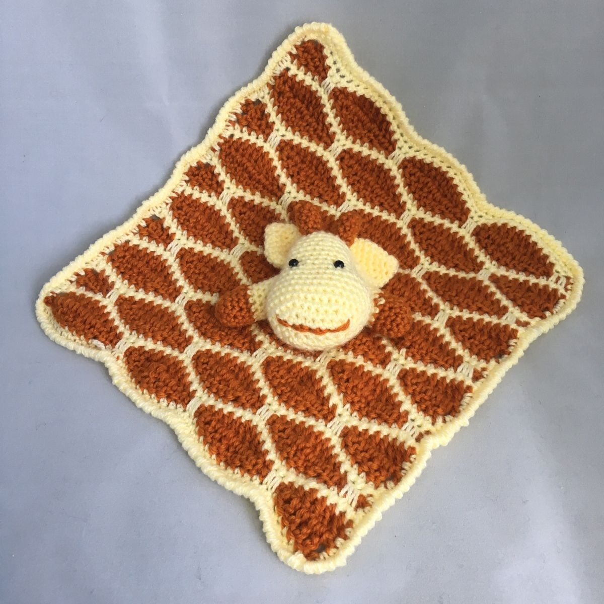 Giraffe Security Blanket (free pattern) #securityblankets