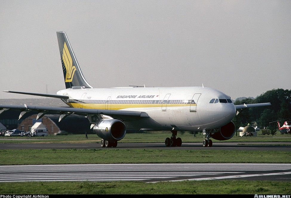 Airbus A300B4203 Singapore Airlines Aviation Photo