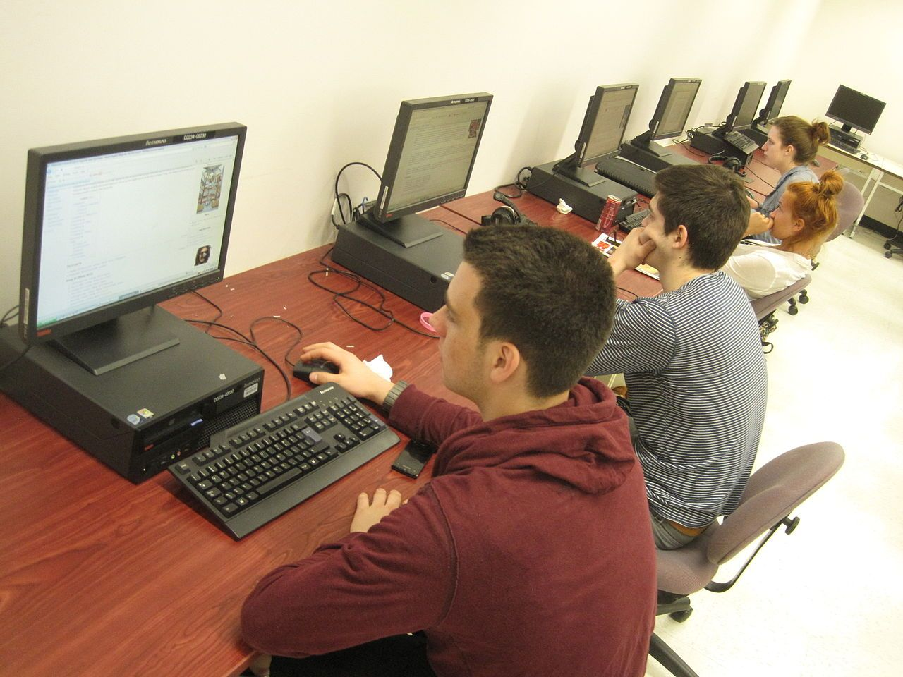 Work in the computer lab - Student - Wikipedia, the free encyclopedia