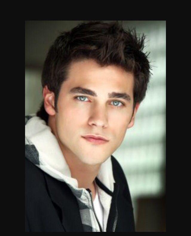 Maybe Everson?   Brown hair blue eyes, Brant daugherty