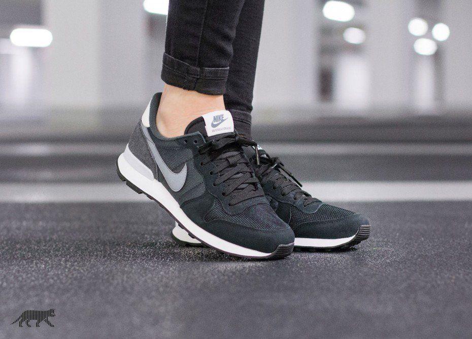 Préstamo de dinero Inyección No es suficiente  Nike Wmns Internationalist | Nike, Nike internationalist, Nike women