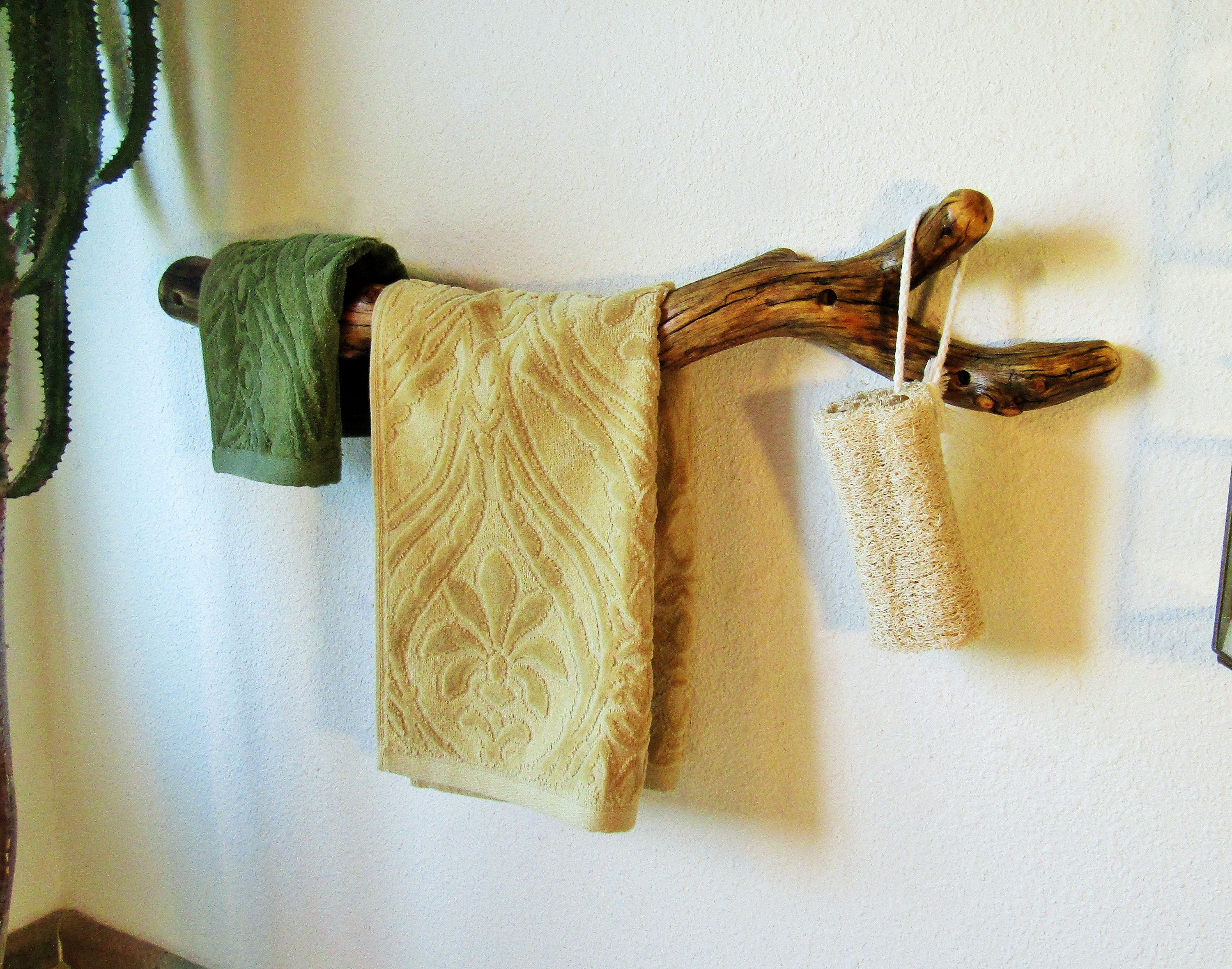 Unique Pinion Pine Tree Branch Towel Bar With Hook For