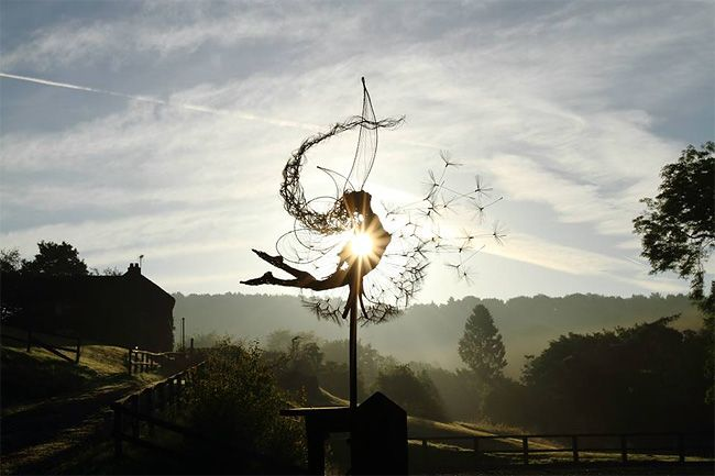 380 Fantastic Wire Sculpture by Fantasywire