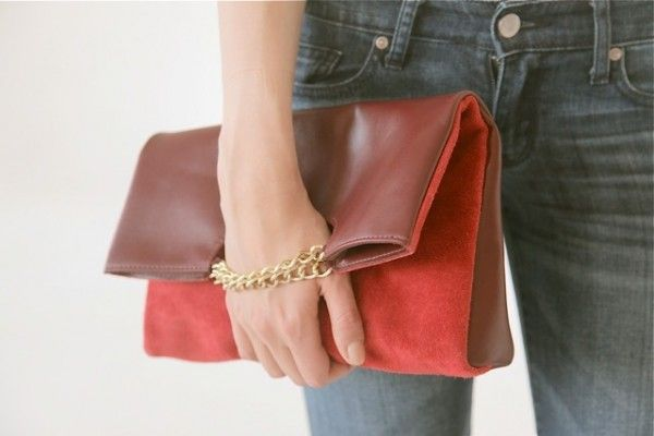 Zohra Clutch in Burgundy / Red