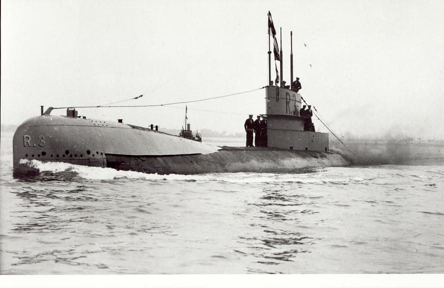 an analysis of the first world war and submarine warfare Atrocity, deviance, and submarine warfare tions about why wars exist in the first particularly of the nazi state's submarine warfare during world war.