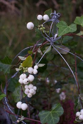 Kummitustalon kuvakirja: Diy garden decoration