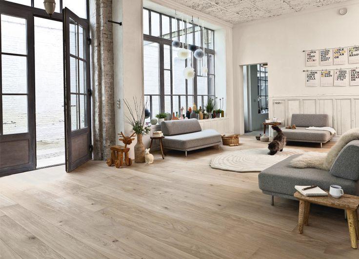 Light flooring | lichte vloer | hoge ramen | neutral colors ...