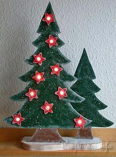 Wood Crafts with free Patterns - Christmas Scrollsaw Project - Lighted Wooden Christmas Trees