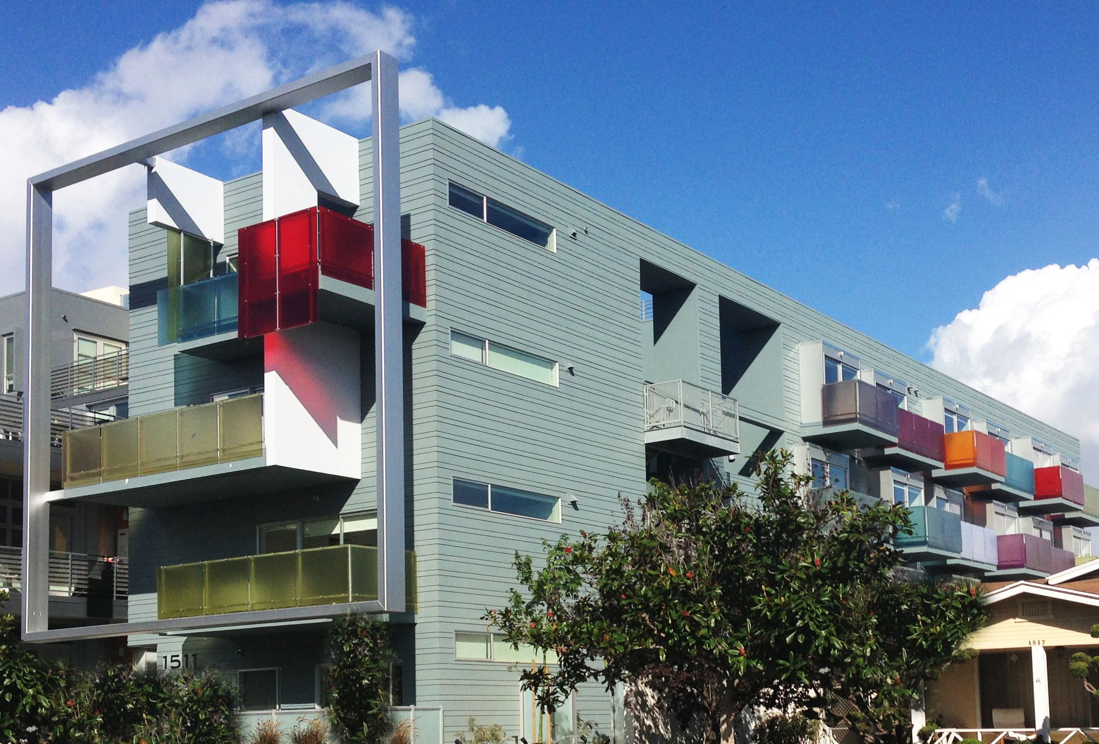 Modern Architectural Apartment Building In Santamonica Apartments Rent