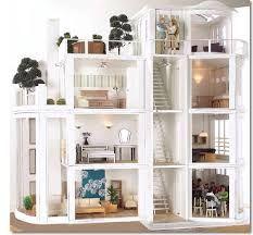 Resultado de imagem para casinhas da Barbie de madeira