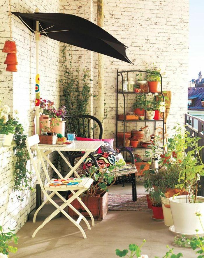 le parasol de balcon en 50 variantes terrasse parasol balcon parasol balcon. Black Bedroom Furniture Sets. Home Design Ideas