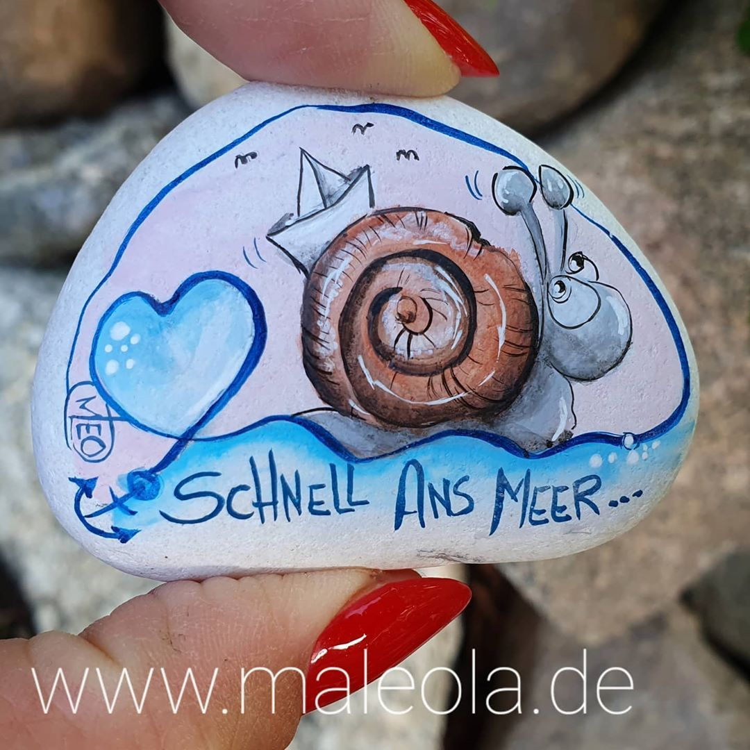 """MaLEOla � paint with LOVE� on Instagram: """"Mit dem Hausboot SCHNELL ans Meer �� #stonepaint #stonepainting #rockpainting #stoneart #rockpaint #rockart #meerweh #paintingstones…"""""""