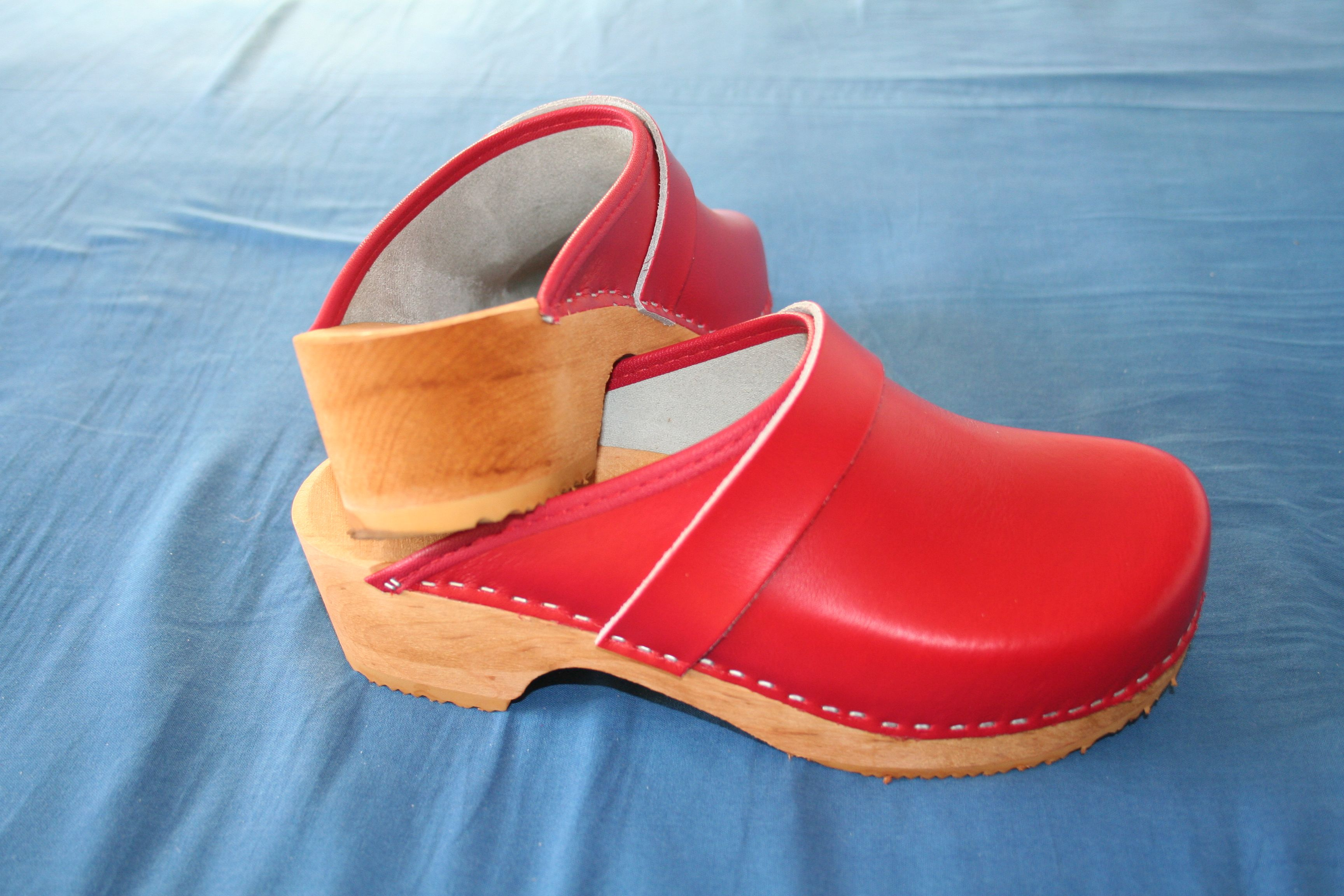 promo codes meet super cheap Classic red clogs - Danish design | Sabots en 2019 | Sabots ...
