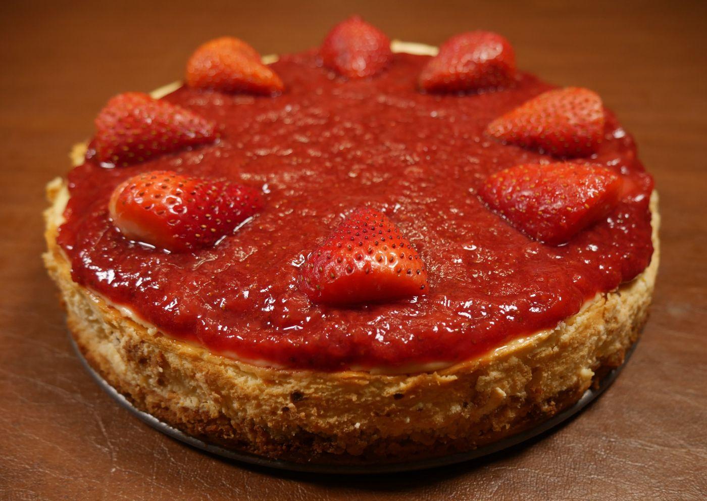 Keto Diet Cheesecake Recipe: New York Strawberry Cheesecake