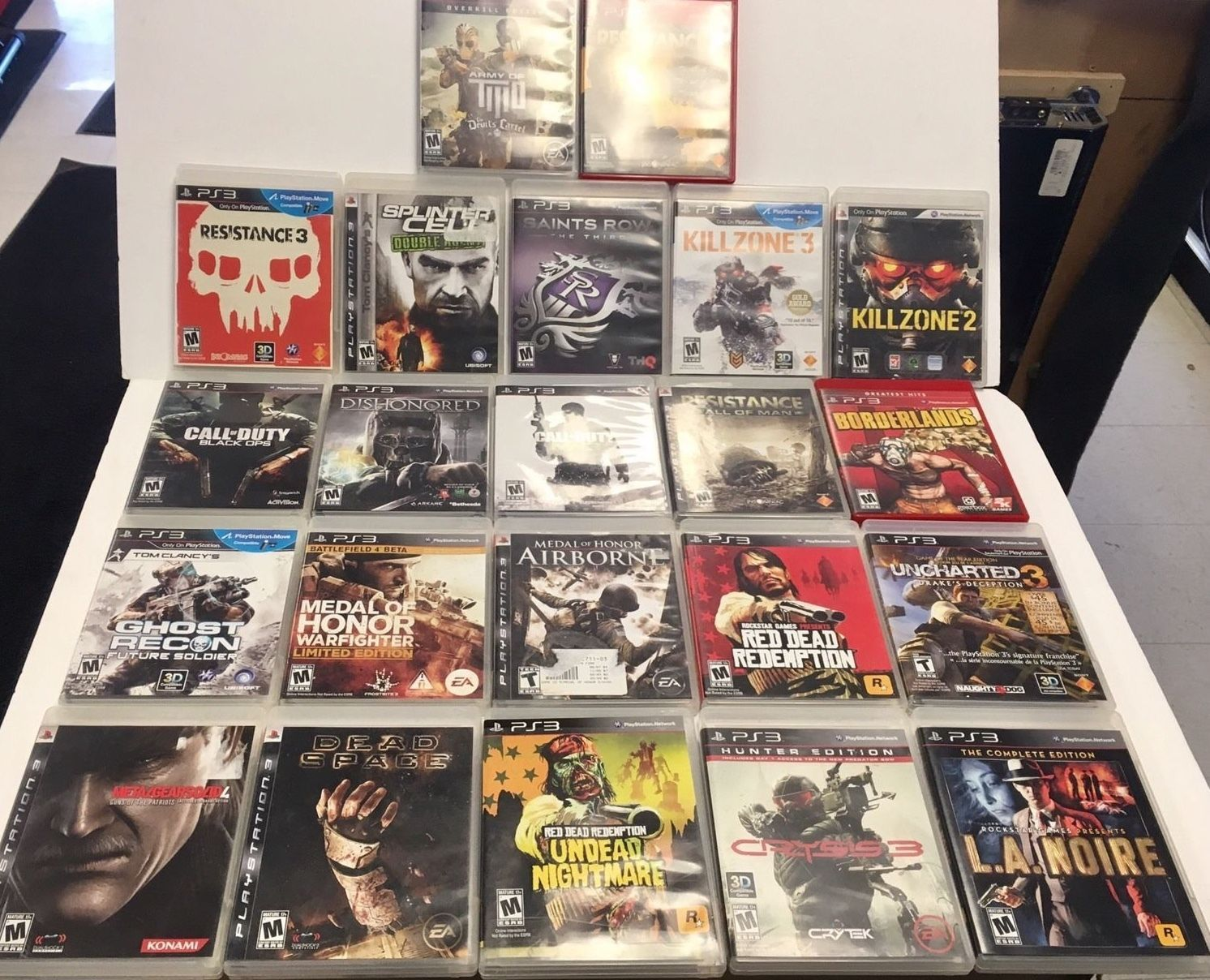 PS3 Bundle Of Very Exciting And Diverse Shooter Games - NR! https://t.co/AZpOKrMSIo https://t.co/RjHVuvvgz5