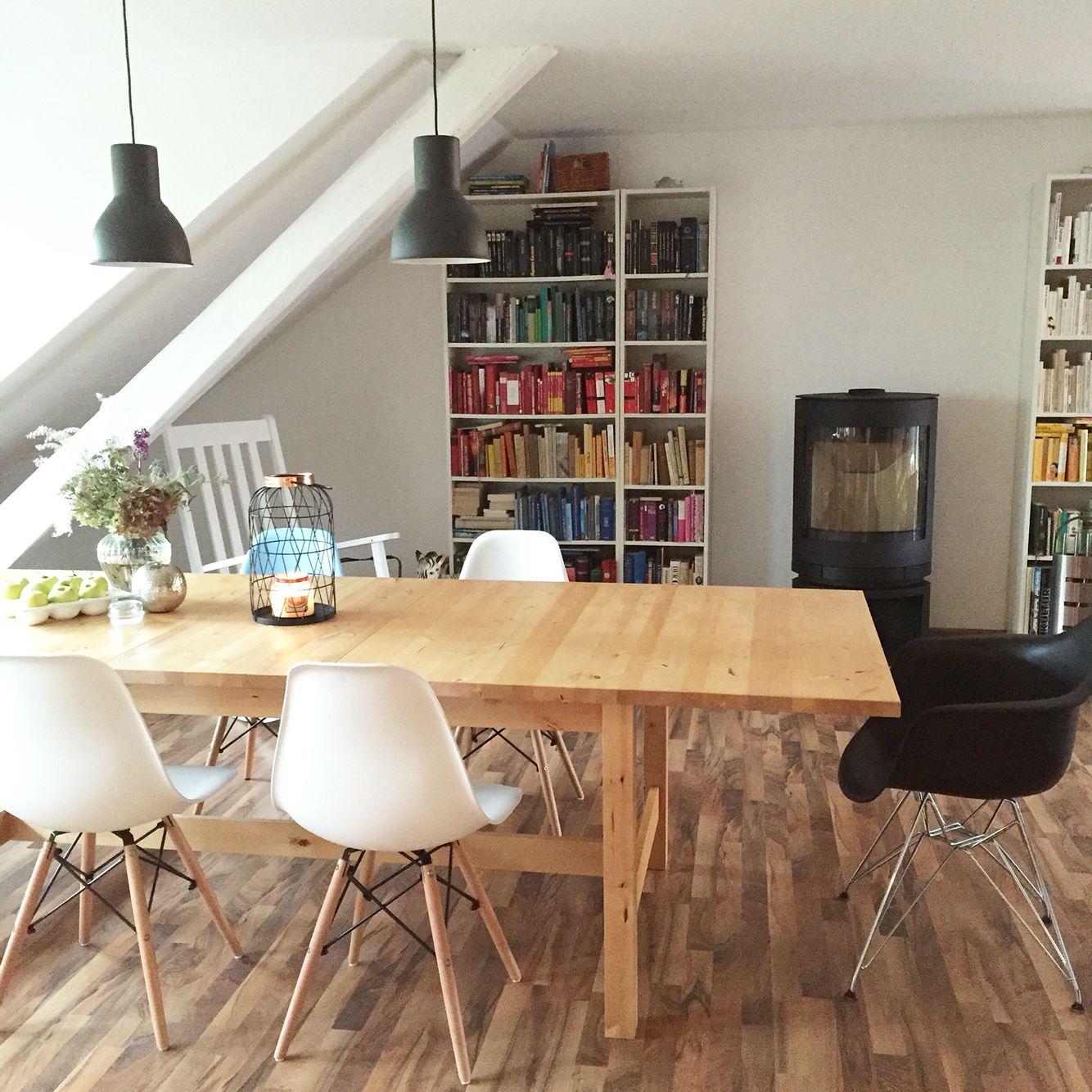 Wohnzimmer. Mit Ikea Norden Esstisch, Eames Chairs, Skantherm Kaminofen,  Ikea Billy Bücherregal