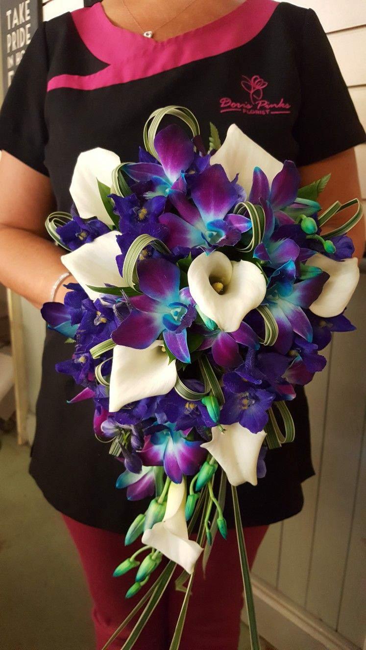 Beautiful bridal bouquet of Calla Lilies and Singapore