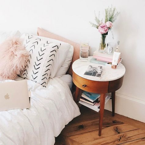 Chic Nightstand Ideas For Small Spaces | Home bedroom, Home