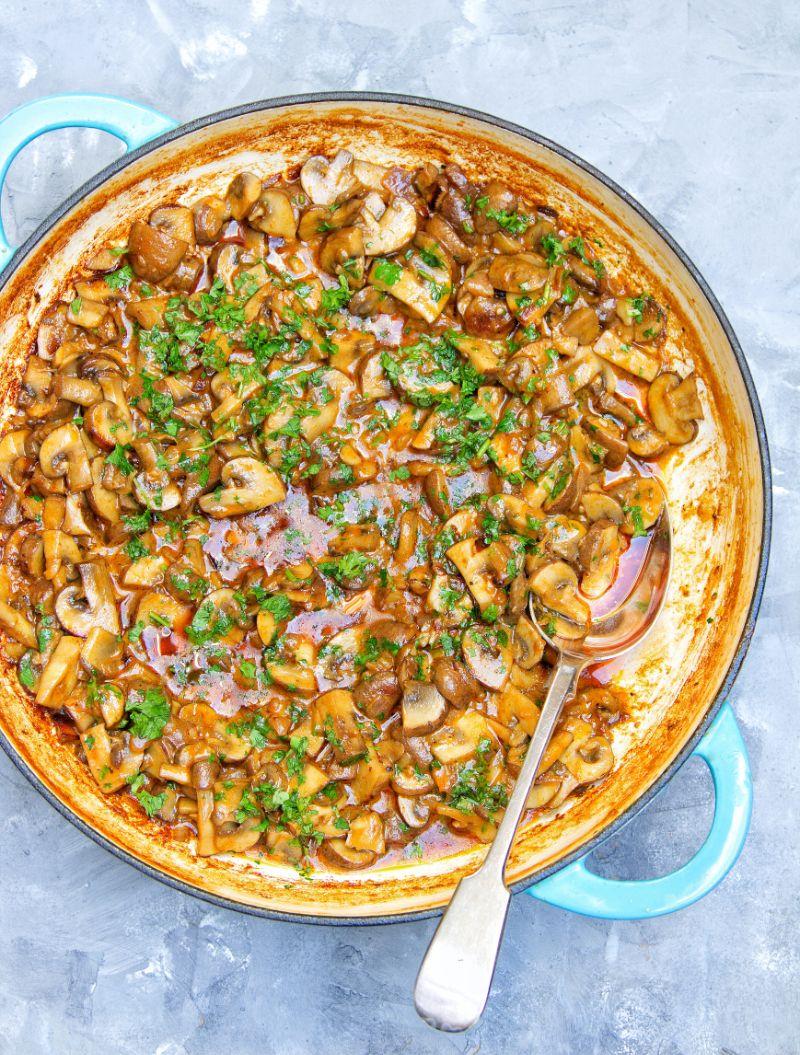 One Pot Vegan Mushroom Stroganoff