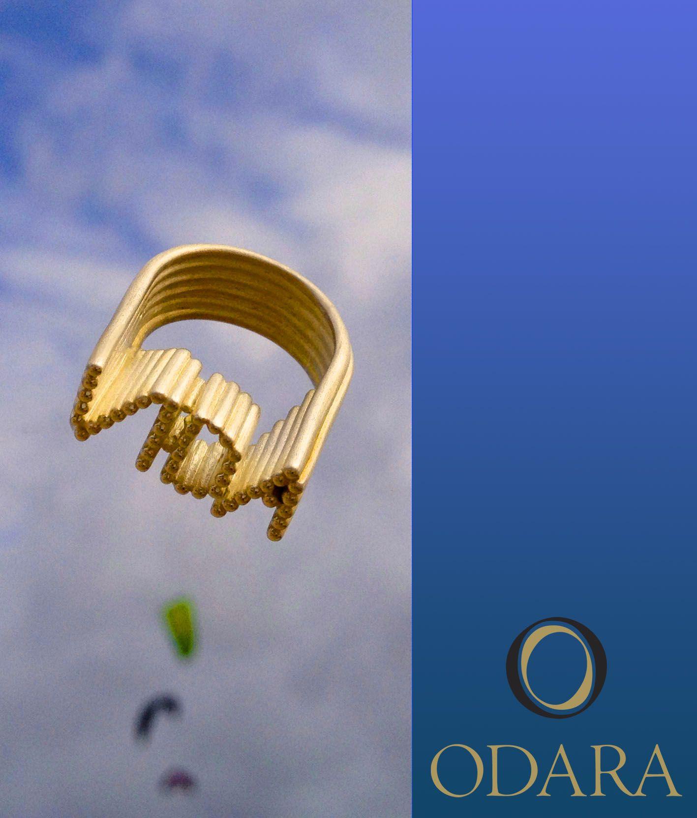 Vida Ring_18k gold.Design by odara.art.br 2013