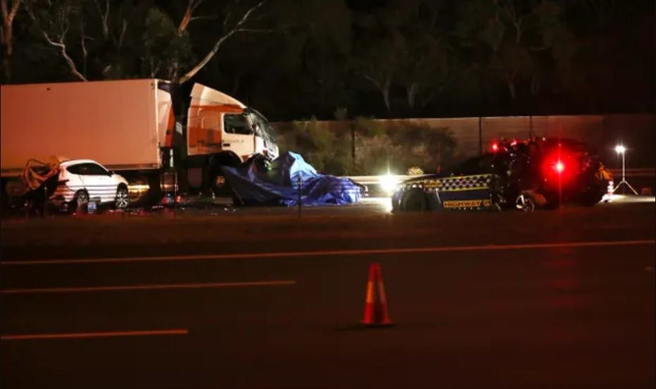 Four police officers killed in serious crash on melbourne