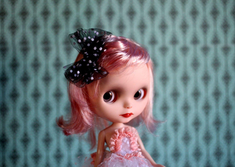 Sweet Sally Hair Bow - Black and White Polka dot sparkle Bow clip hair piece for your Blythe Princess. $4.00, via Etsy.
