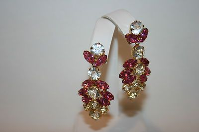 VTG HOT PINK & CLEAR CRYSTAL LONG DANGLE PIERCED EARRINGS SET IN GOLDPLATE