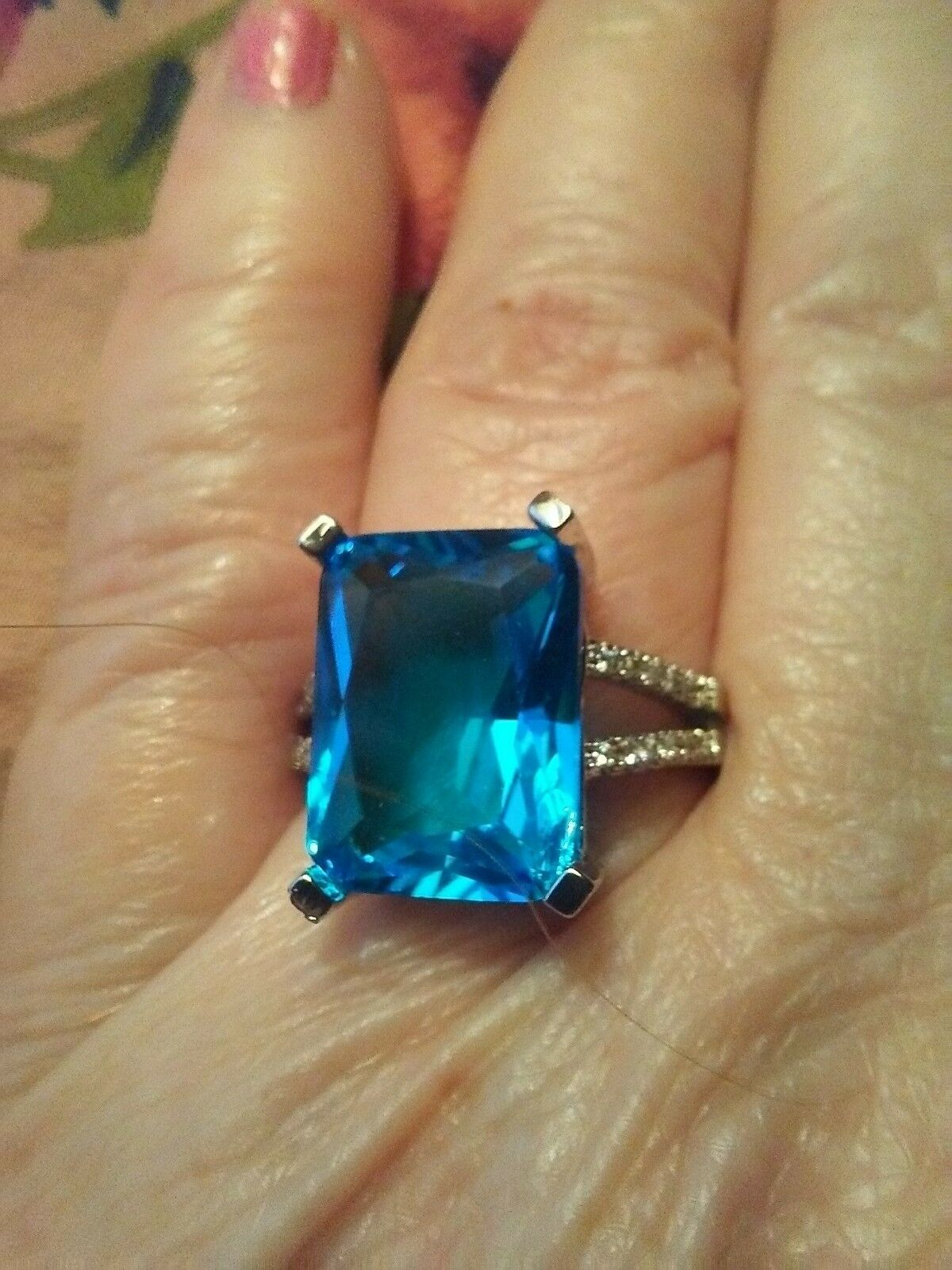 Size 8 Sparkling Sterling Silver Blue Cubic Zirconia Ring