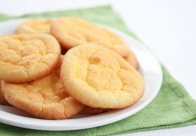 Carb Free Cloud Bread (eggs, cream cheese, 1g sugar)