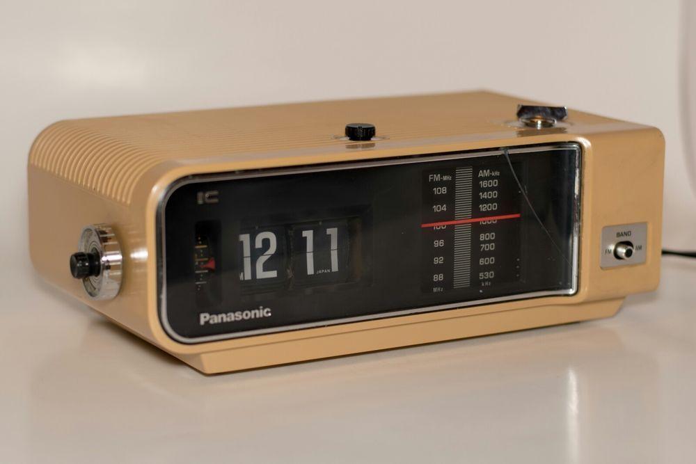 Vintage 1970s Panasonic Rc 6003 Flip Clock Alarm Am Fm Radio Works Perfect Panasonic Clock Fm Radio Flip Clock