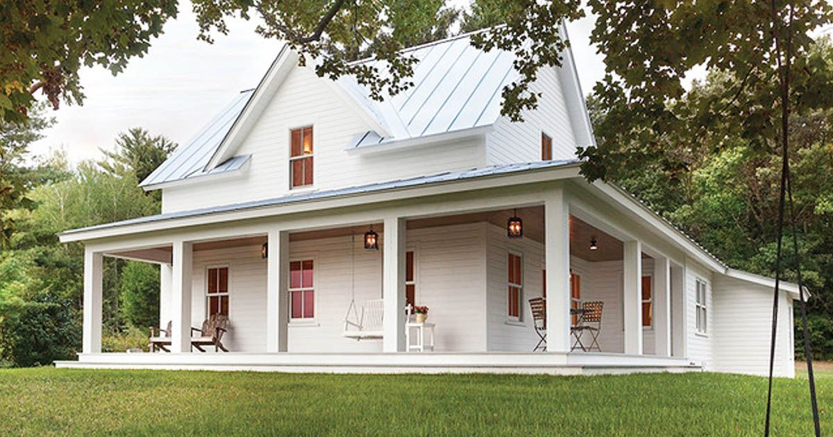 This Lovely Farmhouse Features All The Classic Characteristics Of Beautiful Old Farmhouses A Porch Farmhouse Exterior Old Farm Houses Farmhouse Style Exterior