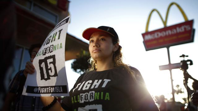 I Ve Worked At Mcdonald S For 10 Years And Still Make 7 35 An Hour Working At Mcdonalds Fast Food Workers Worker