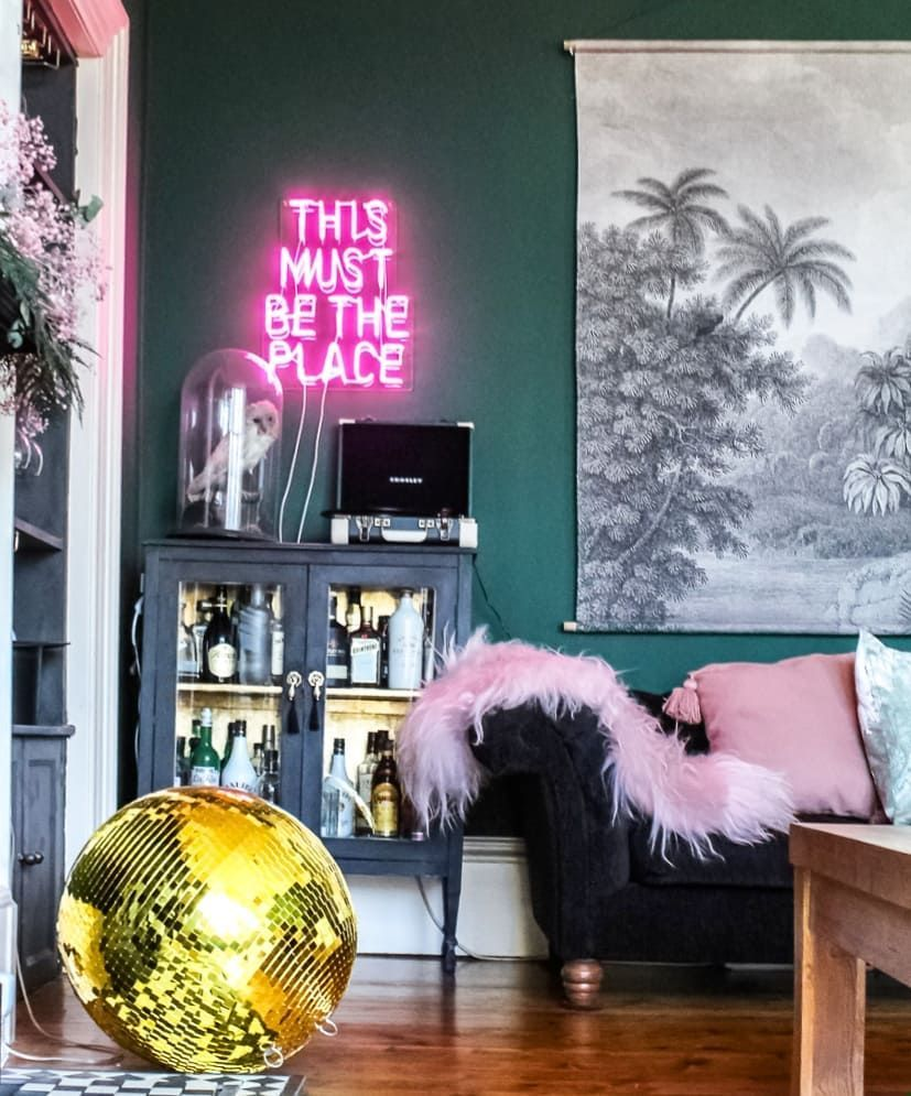 Really Loving Neon Lights At The Moment Just Went Ahead And Ordered A New Custom One After Spending Ages Last Neon Home Decor Neon Bedroom Neon Lights Bedroom #neon #light #living #room