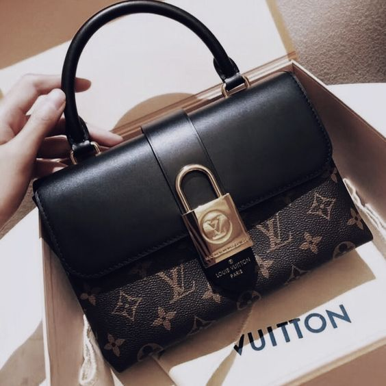 #Louis #Vuitton #Handbags My#fashion style,2018 New LV Collection for Louis Vuitton. Source by dcsuprashoes #fashion bags