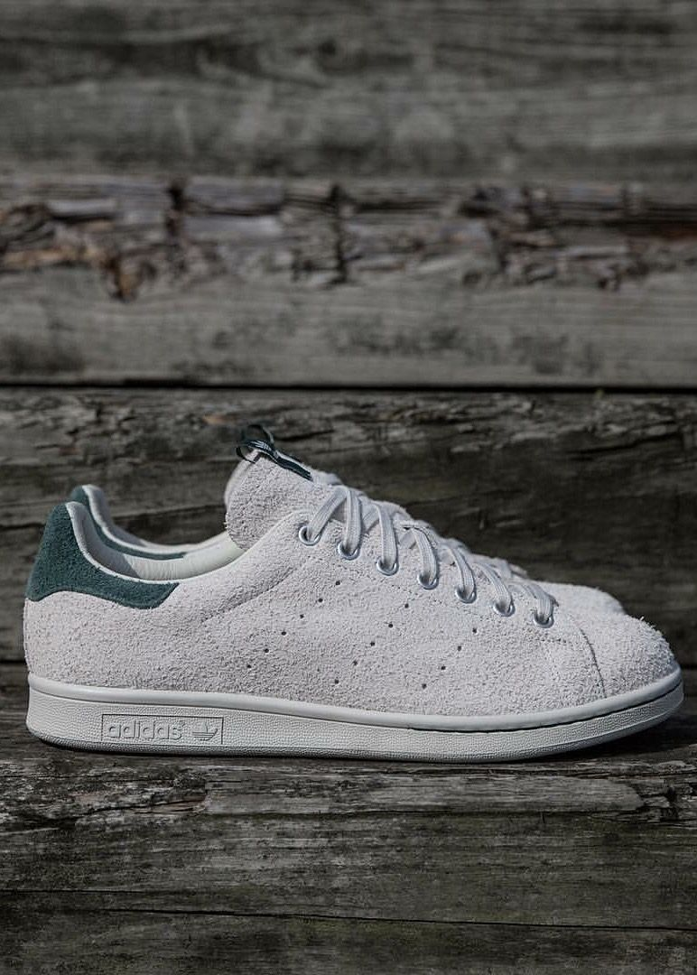 Habubu Debería temporal  Juice x adidas Consortium Stan Smith | Zapatos hombre moda, Zapatos hombre,  Calzado hombre