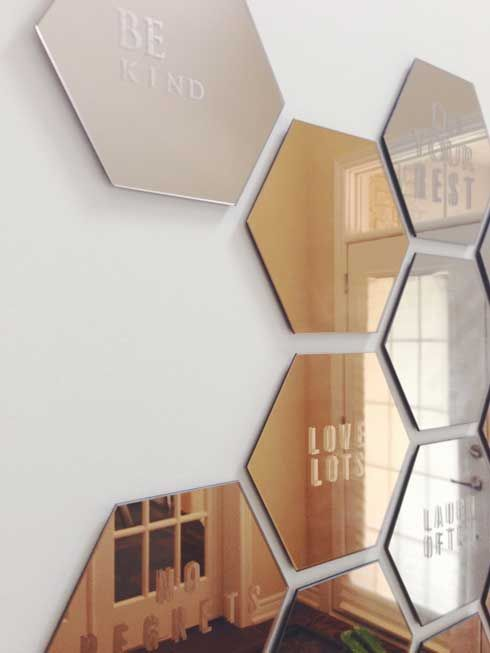 diy honeycomb hallway mirror ikea honefoss mirror hack woontrend spiegel pinterest. Black Bedroom Furniture Sets. Home Design Ideas