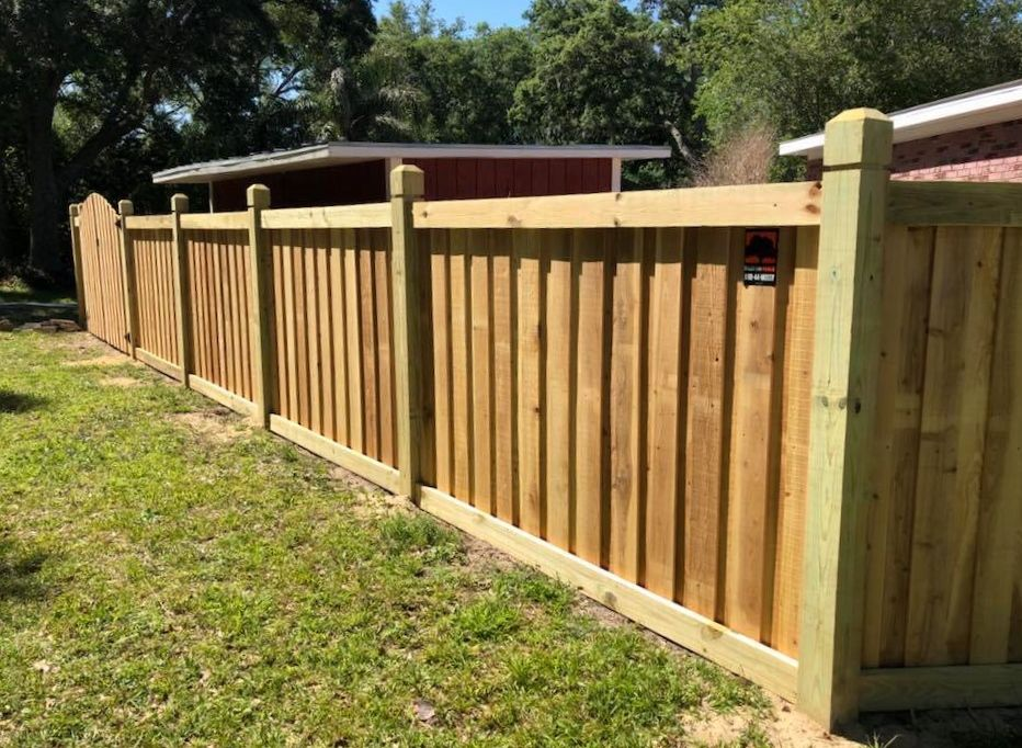 Red Cedar Capped Board On Board Privacy Fence With Dado Posts