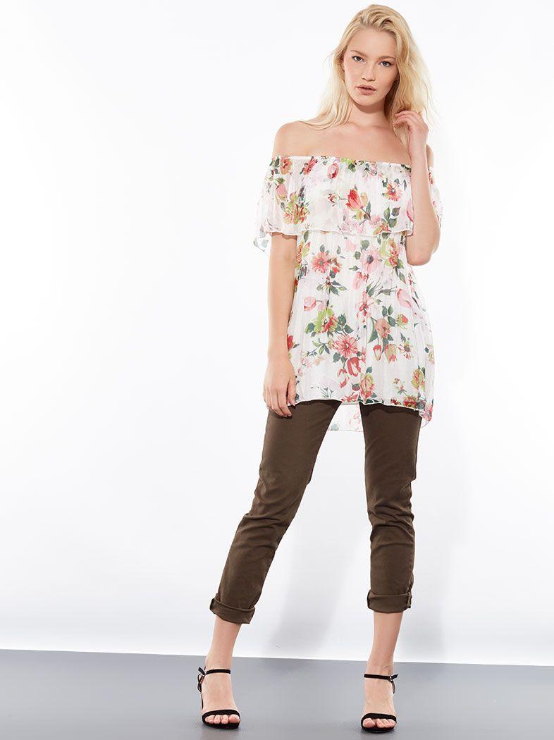 Floral μπλούζα με μετάξι και ακάλυπτους ώμους με βολάν στο ντεκολτέ ... 15ed40e3d73