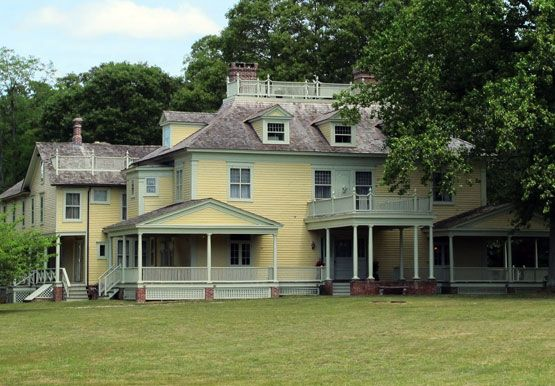 7 7 15 Big Old Houses Know Your Roosevelts New York Social Diary Old Houses House House Styles