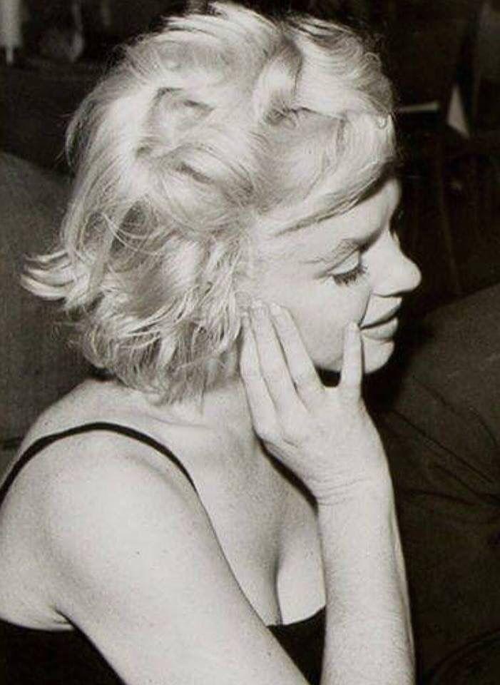 Marilyn Monroe At The Crescendo Club Celebrating Sammy Davis Jr S