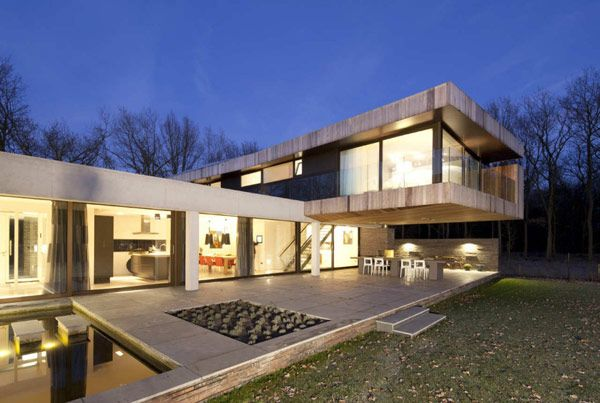 Hilberink Bosch Architects designed a modern home, situated at the on chicago fire house, the originals house, john deere house,