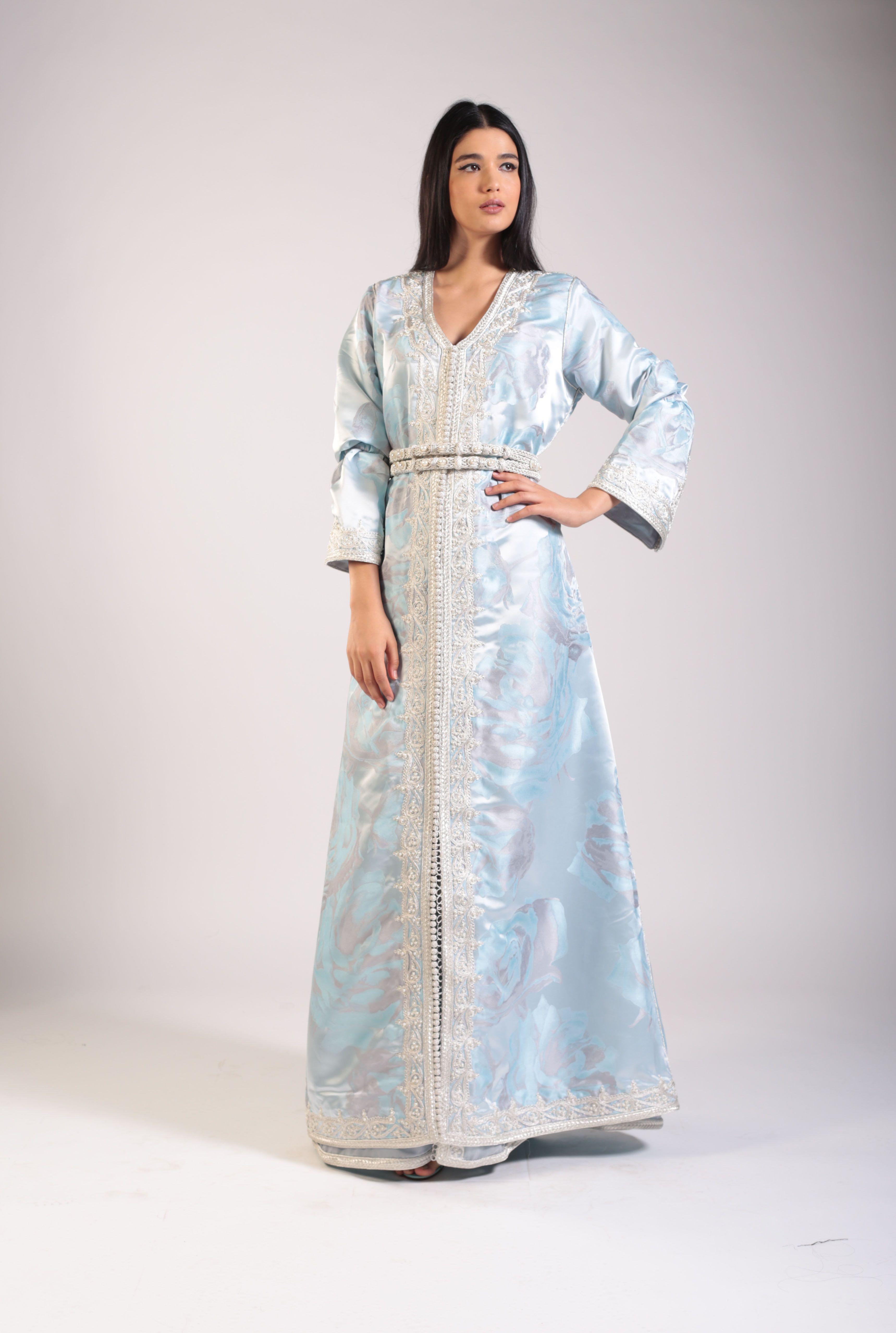 قفطان مغربي باللون الأزرق الفاتح من داس Das