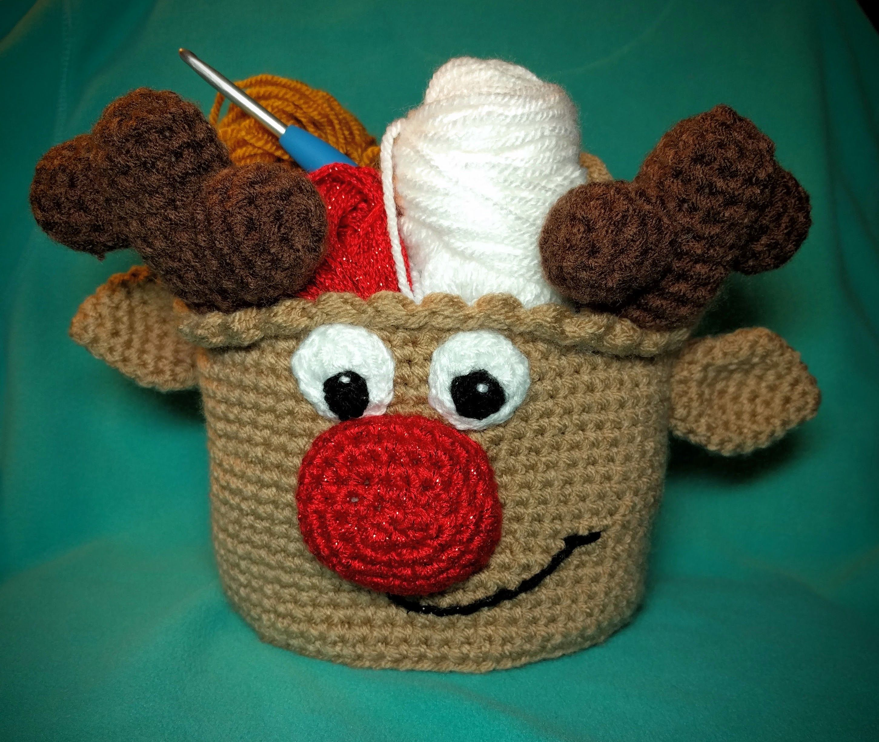 Reindeer Basket  One And Two Company Crochet Pattern -