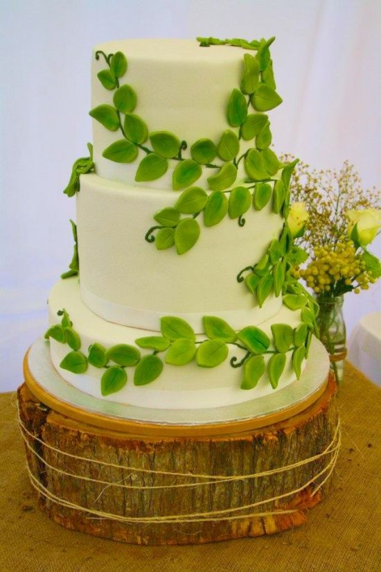 forest wedding cake | Enchanted forest wedding cake / Nature theme ...