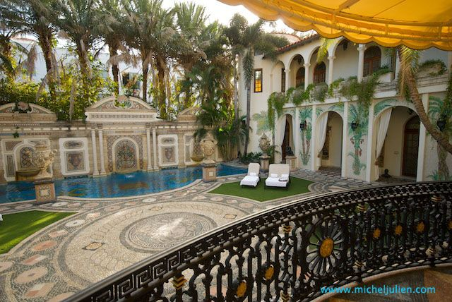 Miami The Villa By Barton G Is The Former Versace Mansion In Miami Beach Florida Guarda Le Offerte
