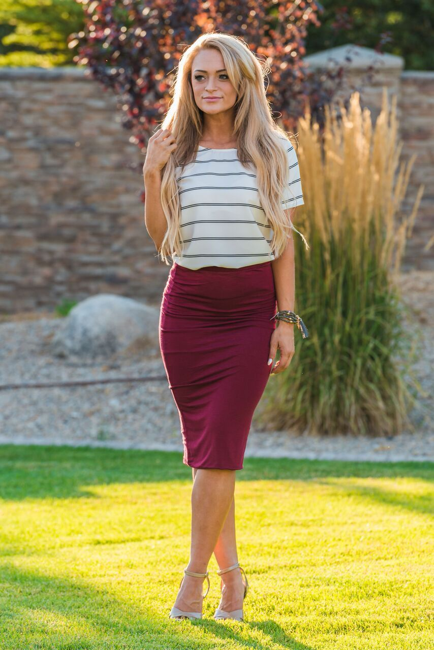 fitted belowtheknee length pencil skirt elastic at