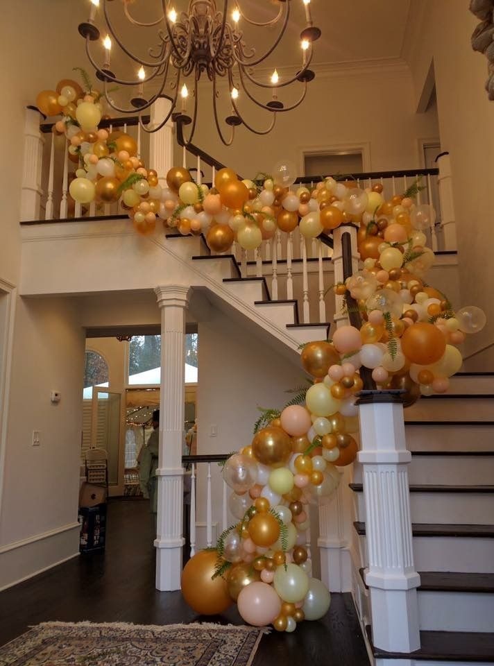 Organic balloon arch balloons pinterest globo for Decoracion con globos 50 anos